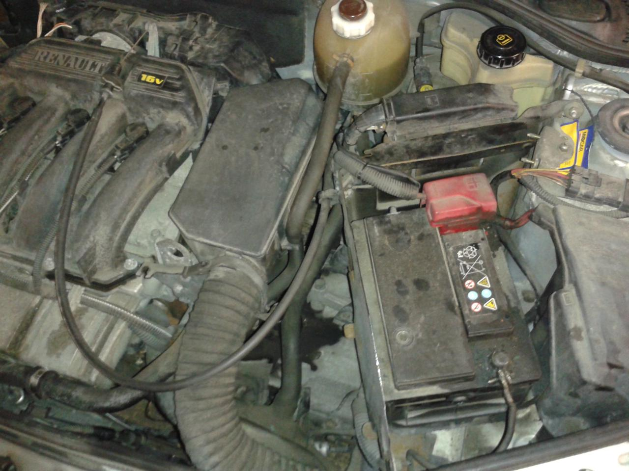 1998 2012 renault clio ii battery replacement. Black Bedroom Furniture Sets. Home Design Ideas